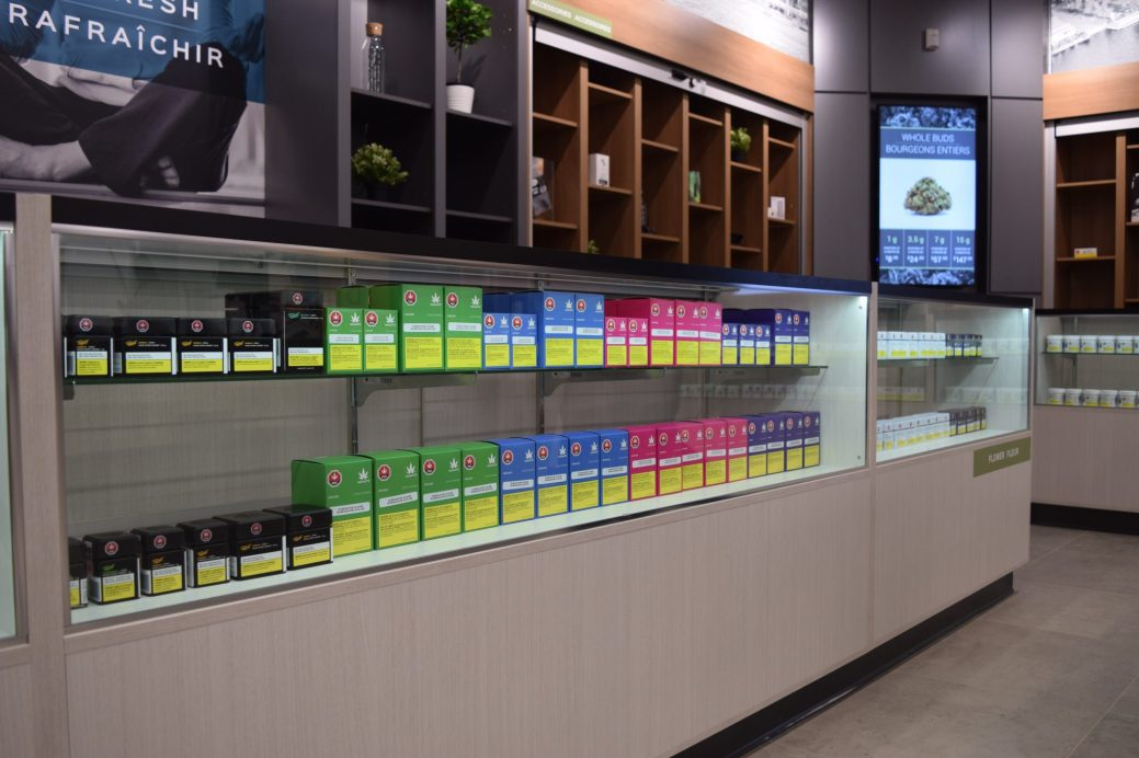 L'intérieur du magasin de Cannabis NB à Fredericton. - Acadie Nouvelle: Mathieu Roy-Comeau