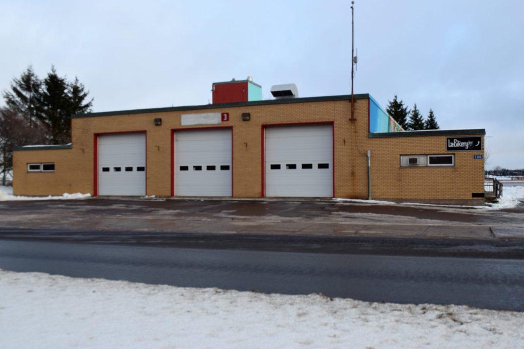 L'ancienne caserne située sur le boulevard Assomption pourrait être bientôt reconvertie en refuge. - Acadie Nouvelle: Simon Delattre