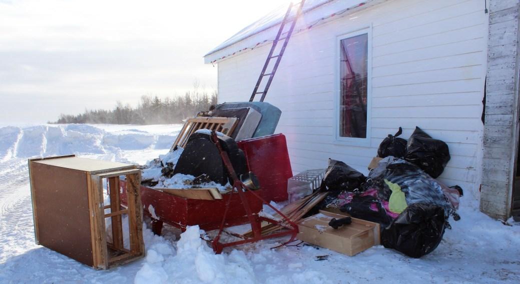 Les meubles perdus lors de l'incendie. - Acadie Nouvelle: Guillaume Cyr