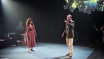 Catherine Allard et Gabriel Robichaud dans une scène de la pièce Je cherche une maison qui vous ressemble. - Gracieuseté Suzanne ONeill
