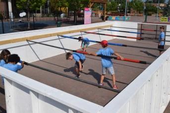 Un petit terrain de soccer est mis à la disposition des enfants. - Acadie Nouvelle: Édouard Merlo