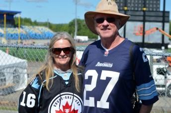 Peggy et Larry MacDougall ont fait quatre heures et demie de route de Shelbourne, dans le sud de la Nouvelle-Écosse, à Moncton pour assister au Touché Atlantique. - Acadie Nouvelle: Jean-Marc Doiron
