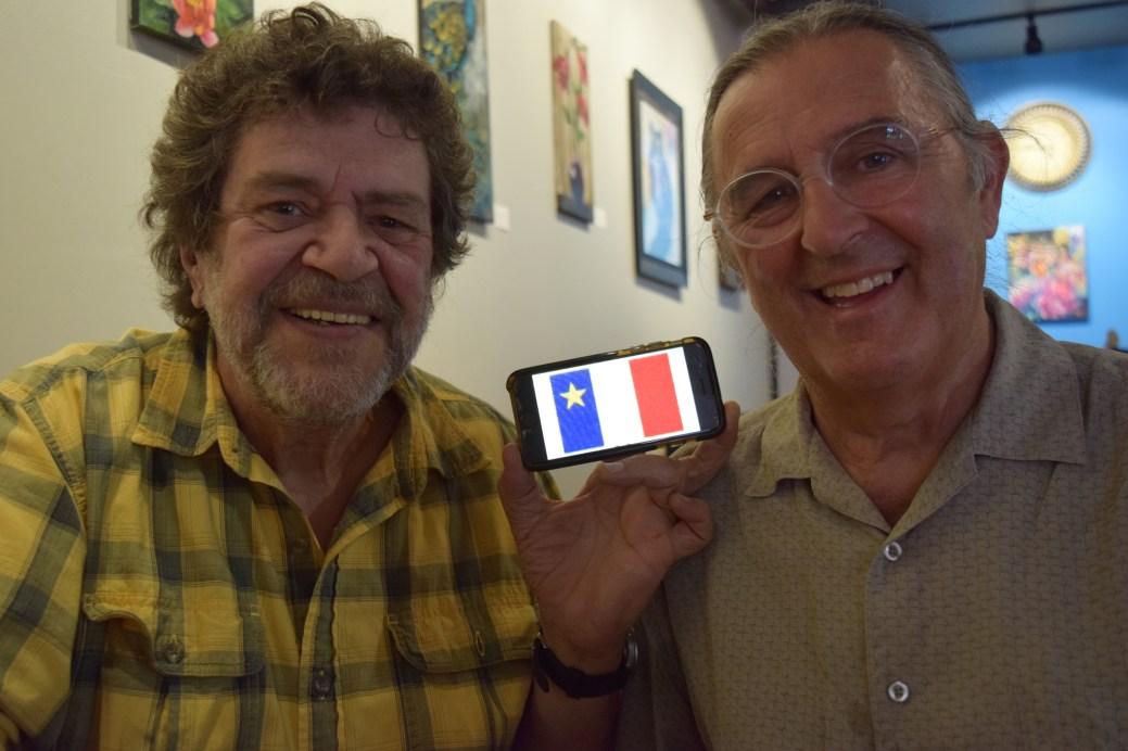 Roland Gauvin et Ronald Dupuis du groupe 1755 s'affichent fièrement acadiens. - Acadie Nouvelle: Sylvie Mousseau