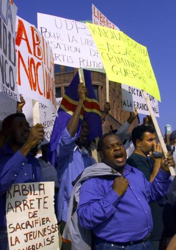 Des manifestants ont protesté contre l'accueil qui avait été fait à la délégation du président de la République démocratique du Congo, Laurent-Désiré Kabila. - Archives
