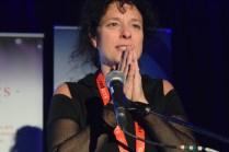 Isabelle Cyr a été très émue de recevoir deux prix à la FrancoFête en Acadie. - Acadie Nouvelle: Sylvie Mousseau
