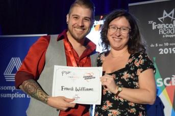 Frank Williams (à gauche) a reçu le Prix RADARTS-Ontario à la FrancoFête. Acadie Nouvelle: Sylvie Mousseau