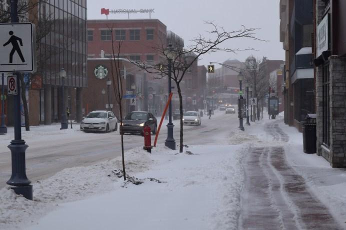 Les conditions routières étaient particulièrement difficiles dans la plupart des régions de la province en raison des fortes précipitations qui sont tombées sous forme de neige, de pluie, de pluie verglaçante et de grésil. -Acadie Nouvelle: Lili Mercure