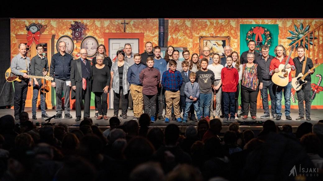 La famille Basque termine sa tournée en fin de semaine. On peut apercevoir sur cette photo presque tous les membres de la famille. - Gracieuseté: Isjaki Studio