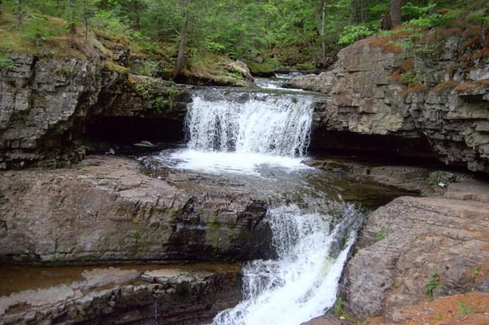 Les chutes Maggie's Falls comportent plusieurs endroits où faire trempette. - Acadie Nouvelle: Simon Delattre