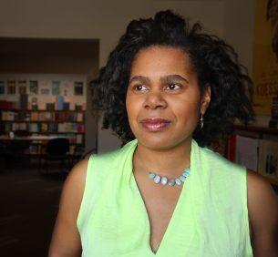 Lorrie Jean-Louis qui a publié le recueil La femme cent couleurs est l'une des invités du Festival Frye. - Gracieuseté: Étienne Bienvenu