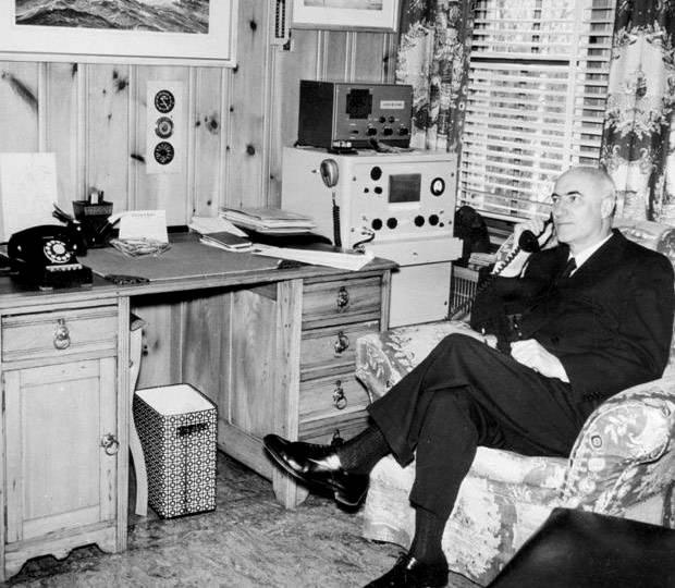 Le milliardaire K.C. Irving photographié en 1959. - Archives