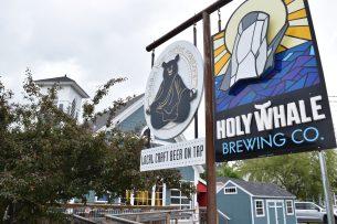 C'est la forte présence de touristes à Alma qui a convaincu Peter Grandy de s'installer dans ce petit village près du Parc national Fundy afin de lancer Holy Whale Brewing. - Acadie Nouvelle: Justin Dupuis