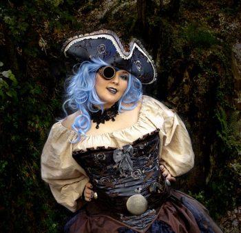 Dama de azul - Engracia Navinés