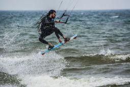 Kitesurfrastas - Ricard Mocholí