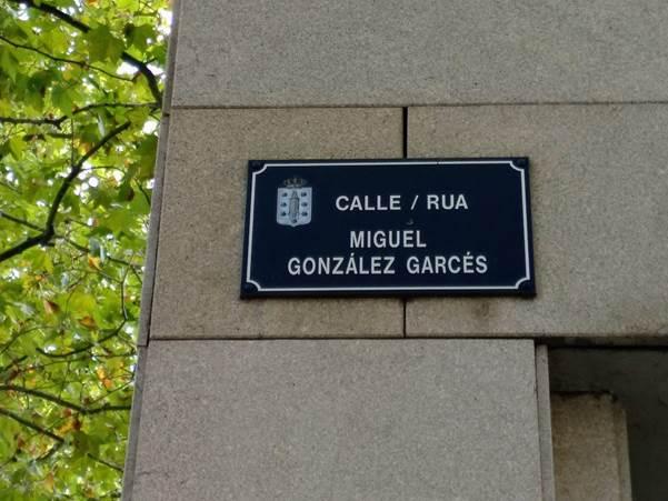 Placa da rúa Miguel González Garcés