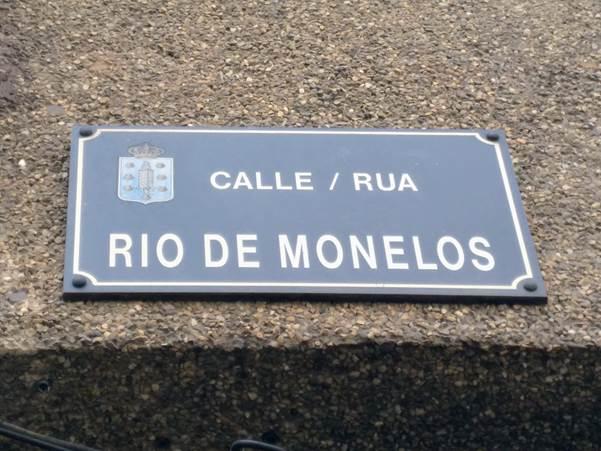 Placa da rúa Río Monelos