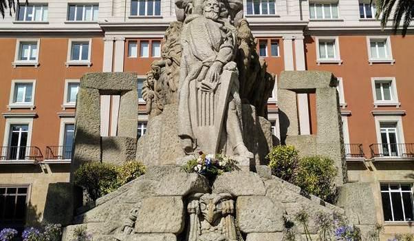 Monumento a Curros