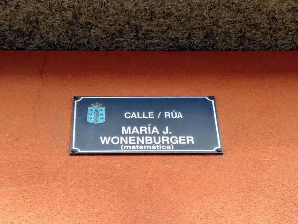 Placa da rúa María Wonenburger