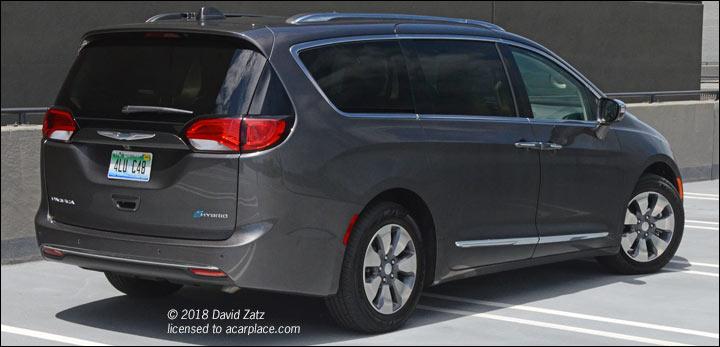 2018 hybrid minivan