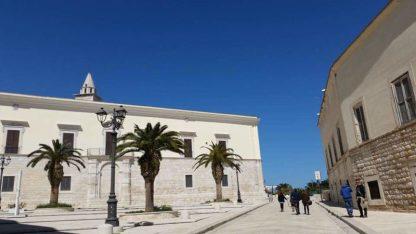 Strada che porta alla Cattedrale