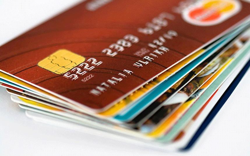 kartu kredit vs debit