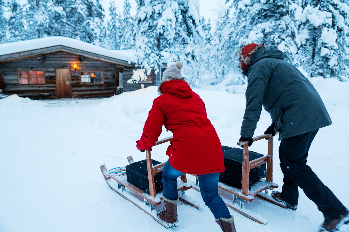 kakslauttanen-log-cabin-sledges-small