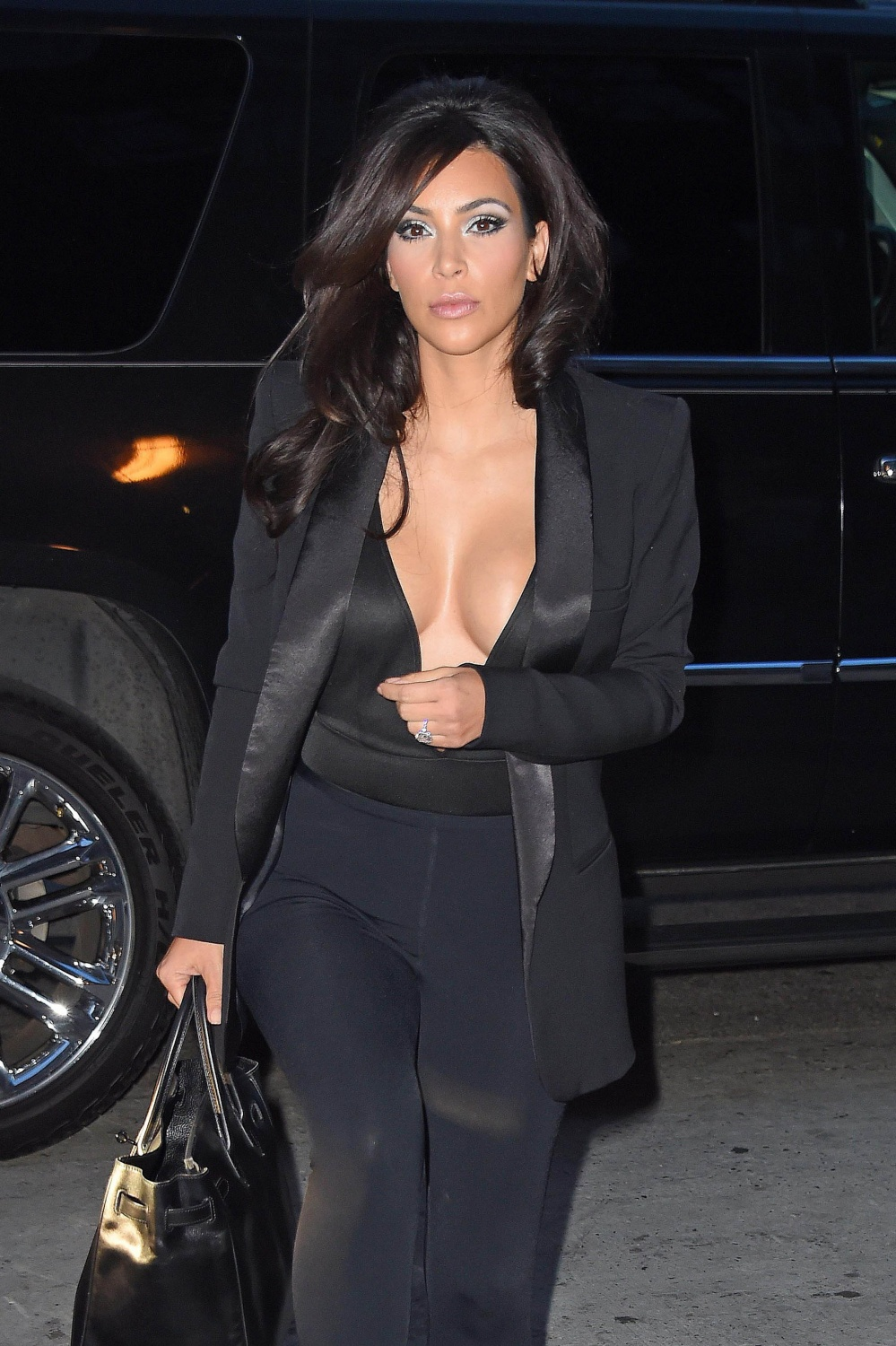 NEW YORK, NY - JUNE 16: Kim Kardashian is seen on June 16, 2014 in New York City. (Photo by NCP/Star Max/GC Images)