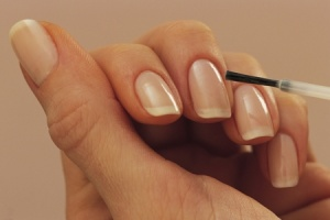growing nails naturally 3