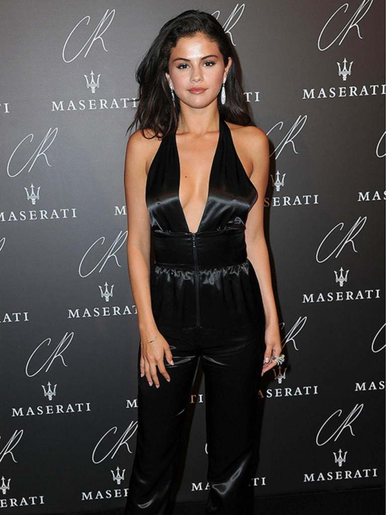 Selena Gomez Wearing Louis Vuitton At The Cr Fashion Book Issue No.5 Launch In France September 2014