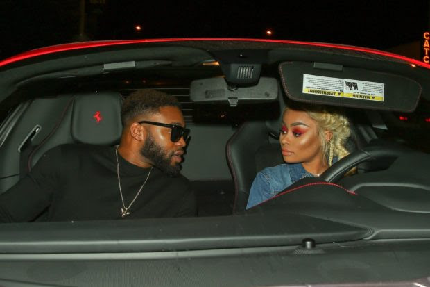 Los Angeles, CA  - Model Blac Chyna was spotted arriving at Barton G restaurant with a mystery man in Los Angeles. Pictured: Blac Chyna BACKGRID USA 5 JUNE 2017  BYLINE MUST READ: Maciel / BACKGRID USA: +1 310 798 9111 / usasales@backgrid.com UK: +44 208 344 2007 / uksales@backgrid.com *UK Clients - Pictures Containing Children Please Pixelate Face Prior To Publication*