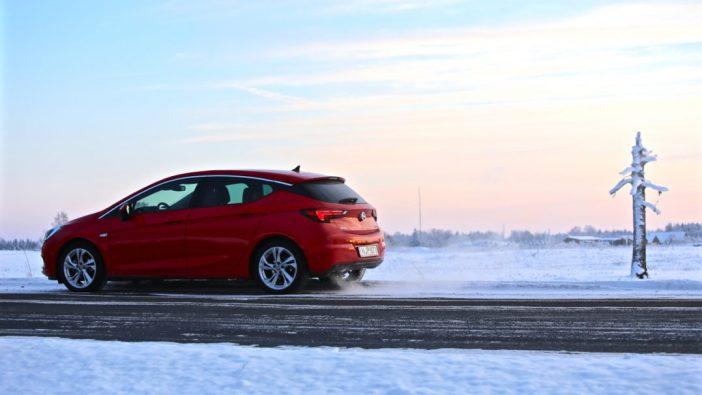 Opel Astra K külgvaade