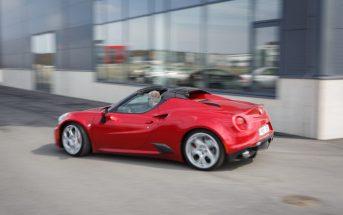 Alfa Romeo 4C külg