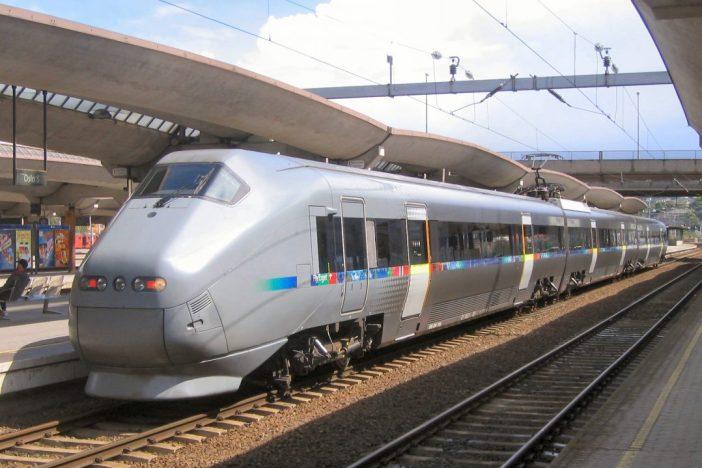 Rong Oslo Gardemoeni lennujaamast 47 km kaugusele kesklinna. Pilt: Wikimedia