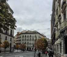 Madridi tänavapildis on sügis