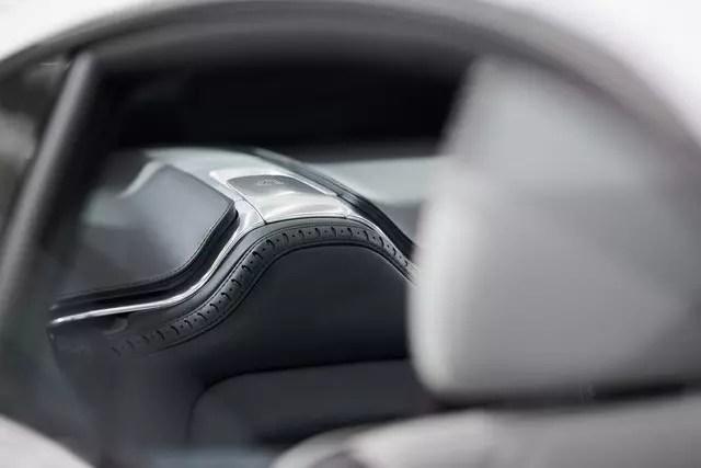 Interior_rear_seat_low