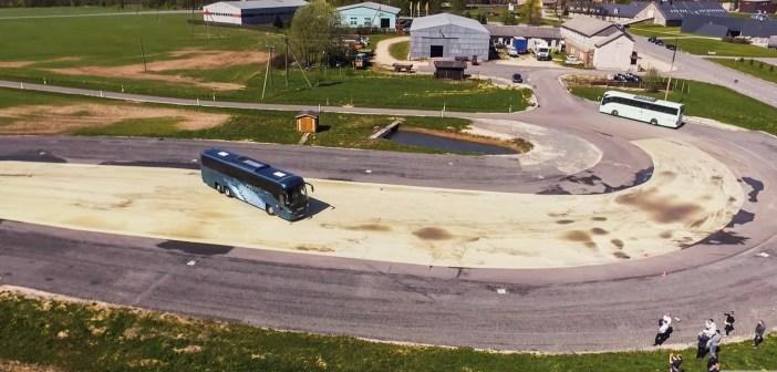 Eksperiment: ühe päevaga bussijuhiks ehk ellujäämiskursus libedarajal
