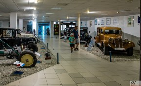 Tatra muuseumis valitseb hirmus ruumikitsikus, unikaalsed eksponaadid seisavad sõna otseses mõttes külg külje kõrval