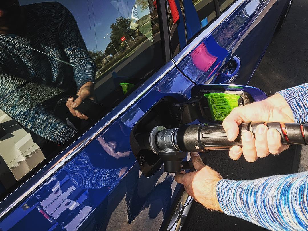 Täna hommikul tund aega taksot ilmselt ei saa: kõik tangivad tasuta CNG-d