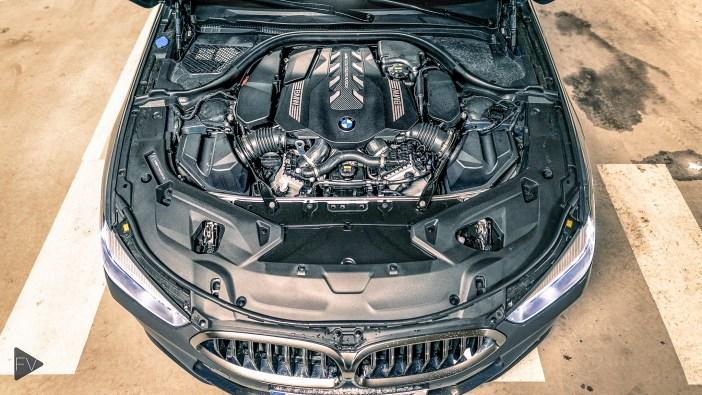 BMW 850i V8