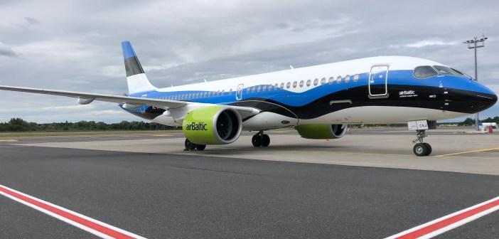 Tore žest: airBaltic värvis ühe uutest lennukitest Eesti lipuvärvidesse