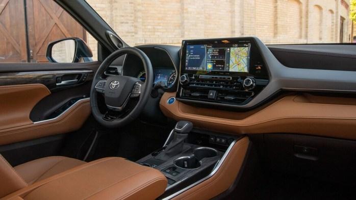 2020-Toyota-Highlander-Platinum-Hybrid-AWD-29