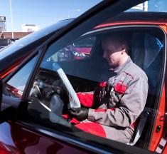 Eksperiment: kuidas uue elukorralduse ajal turvaliselt autot hooldada?