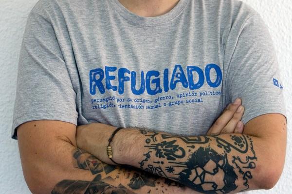 Refugiado - Camiseta Gris
