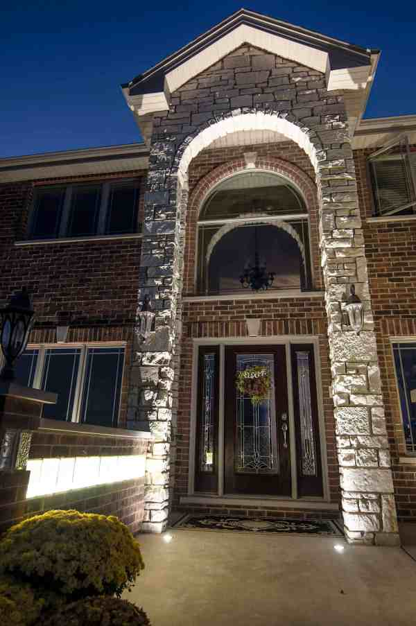 Residential Entryways - Outdoor Lighting In Chicago Il