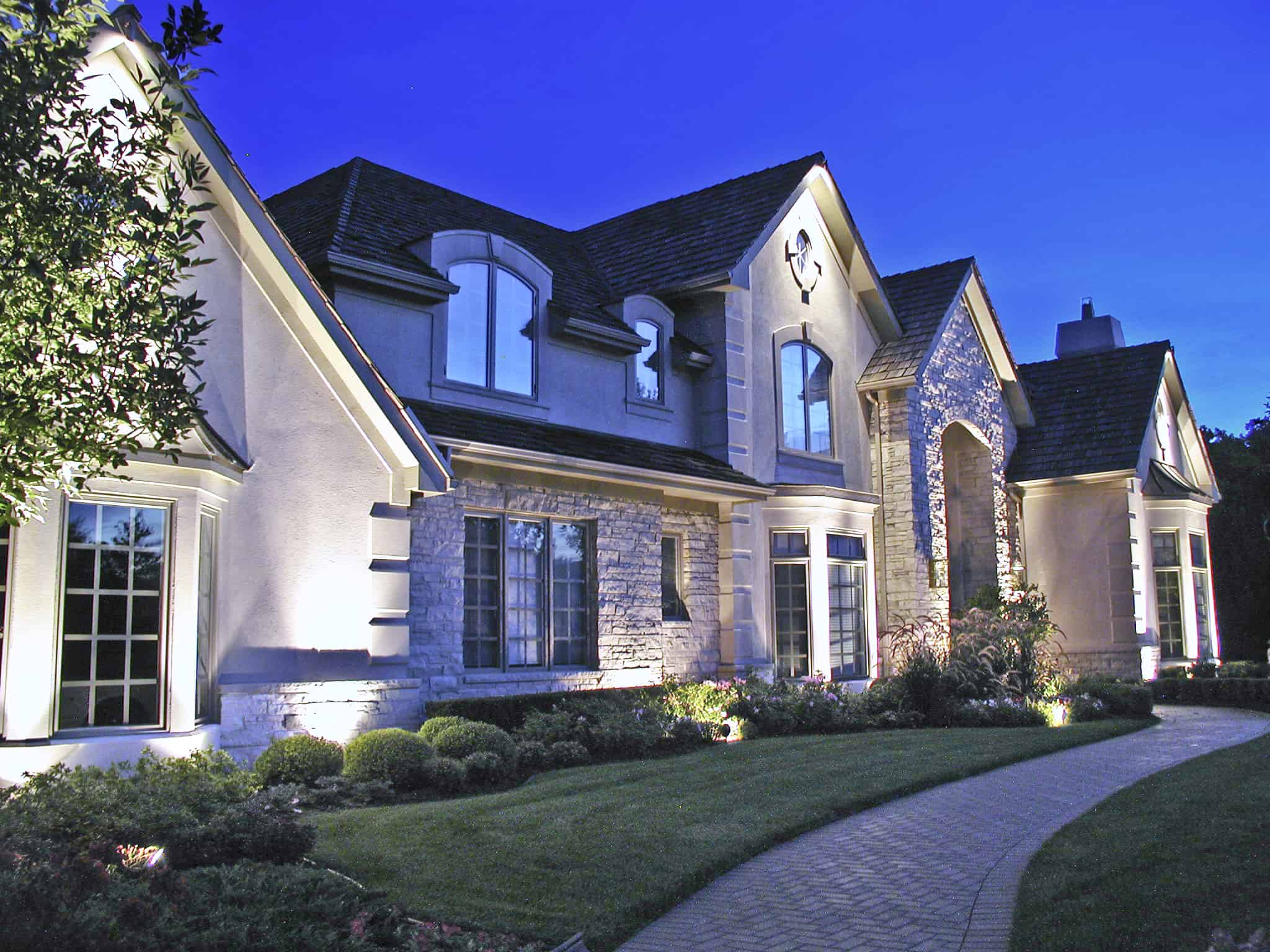 Residential Homes  Outdoor Lighting in Chicago IL  Outdoor Accents