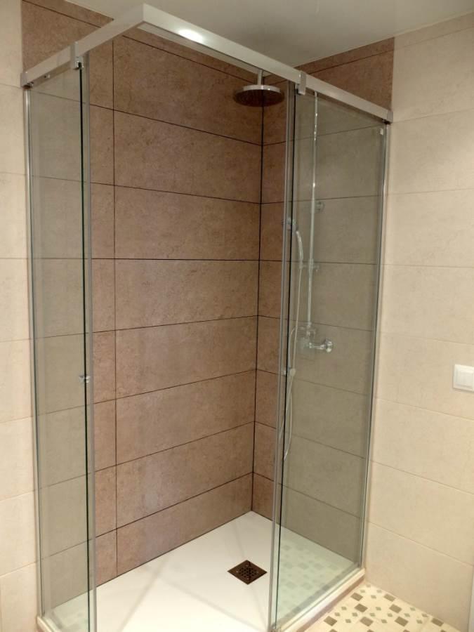 Baos pequeos con ducha 5 estilos 5 ideas y 5 consejos