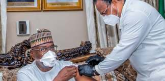 Kwara State Governor Abdulrahman Abdulrazaq and his deputy, Kayode Alabi, got the Oxford AstraZeneca Covid-19 vaccines on Friday.