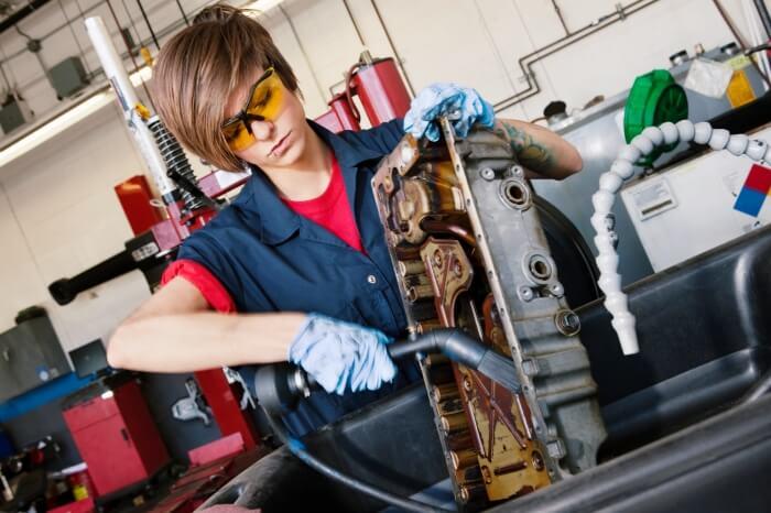 How Much Do Auto Mechanics Make  Auto Mechanic Salary