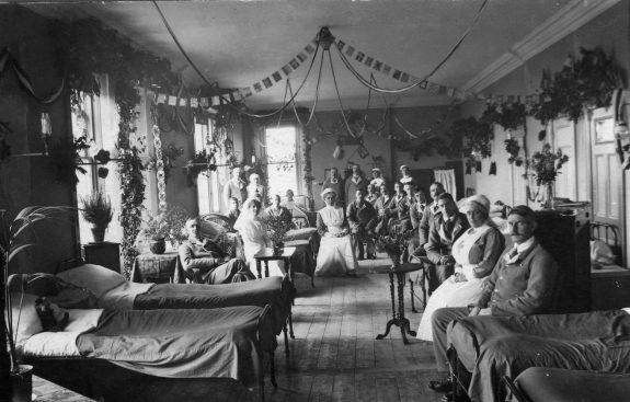 WW1-xmas-hospital-ward