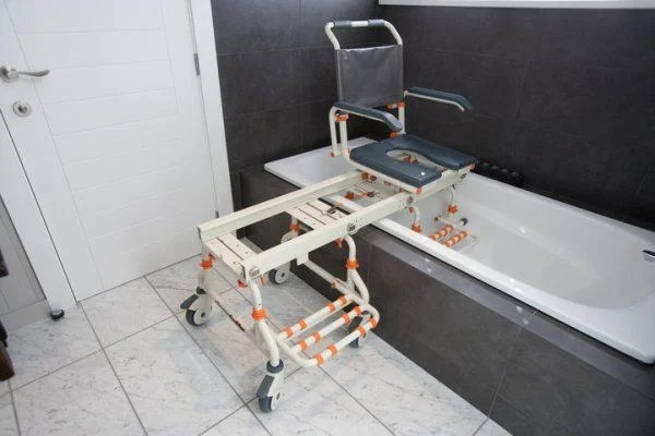 rolling bath chair deck covers adelaide tubbuddy system sb2 - accessible systems